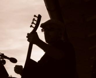 slilhouette_Sergio_Pugnalin_con_saz_Seyir